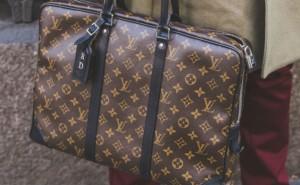 logo handbag luis vuitton